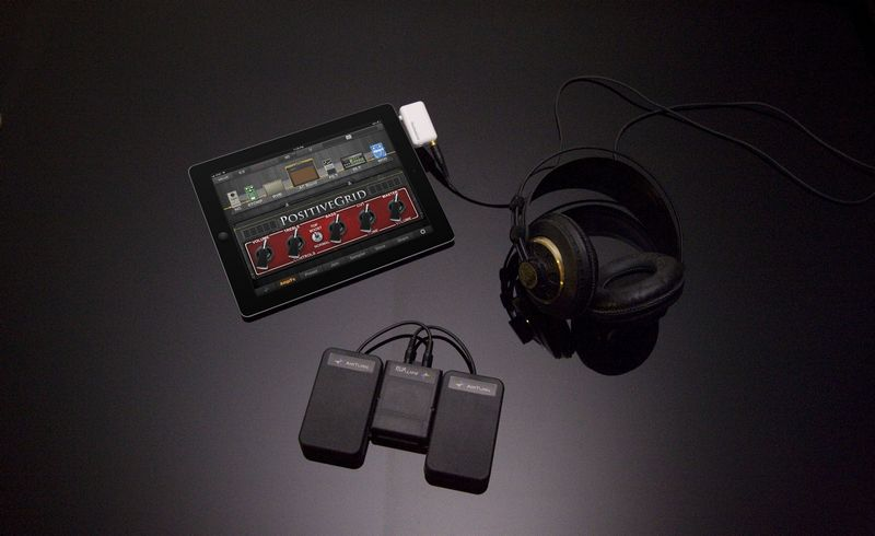 JamUp Pro XT with JamUp Plug and AirTurn BT-105 with Two ATFS-2 Silent Pedals